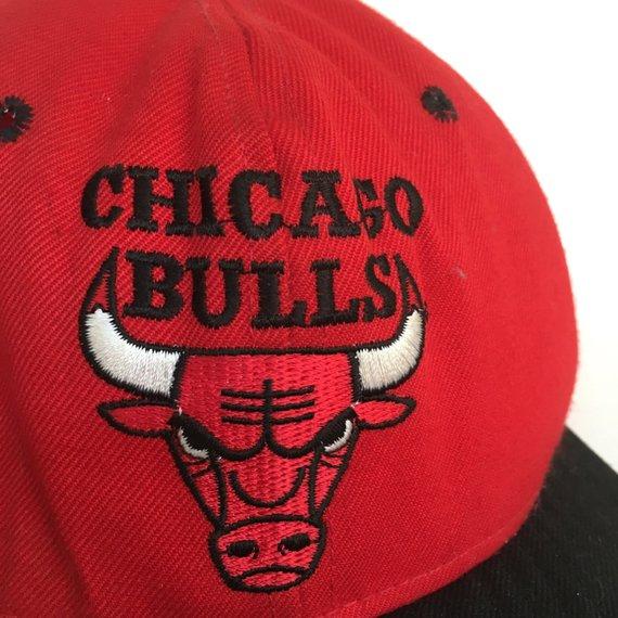 c2a8b6834a2 Vintage 90s Chicago Bulls NBA Warped Brim Snapback Hat