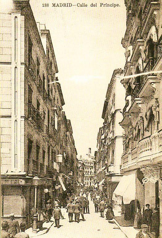 Calle Príncipes desde la Plaza de Santa Ana