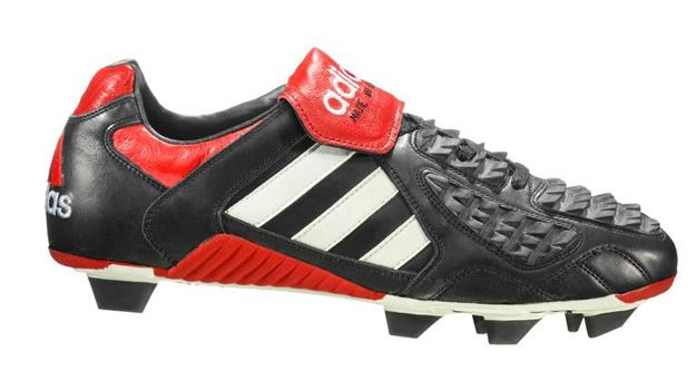 sneakers for cheap 7414b cae82 Adidas Predator Touch 1996 la tecnologia de esos años.
