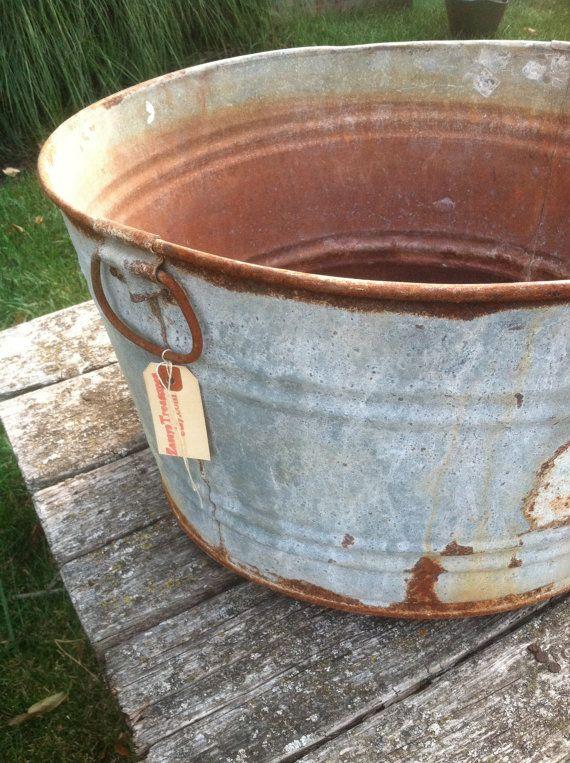 Vintage Rusty Galvanized Washtub By Zassystreasures On Etsy 30 00 Vintage Bucket Galvanized Wash Tubs