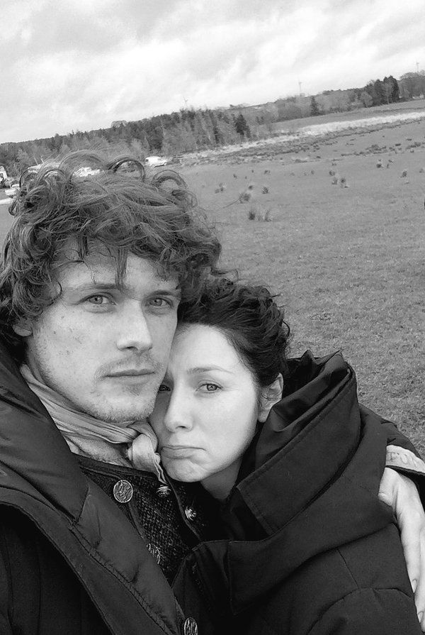 Sam and Caitrona on set BTS