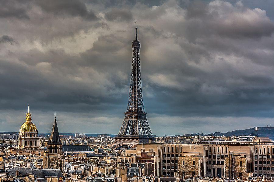 #ParisTour Eiffelclouds #Jaumedarenys (January 3 2016 at 12:21PM) Paris - France desembre de 2011.