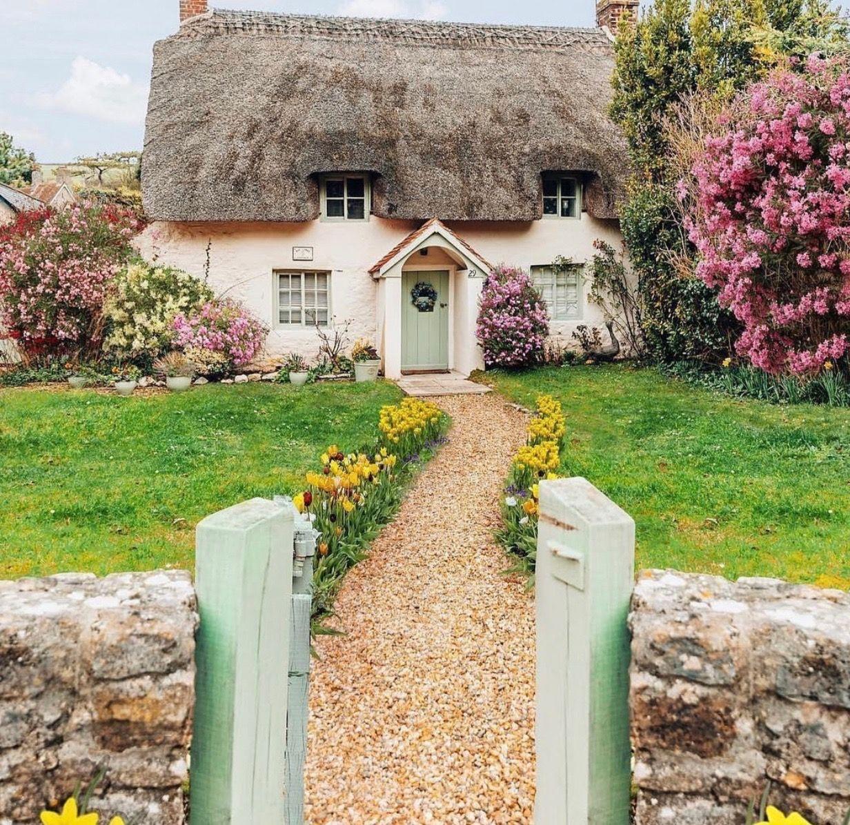 Cute Cottage, Cottage Garden, English Cottage