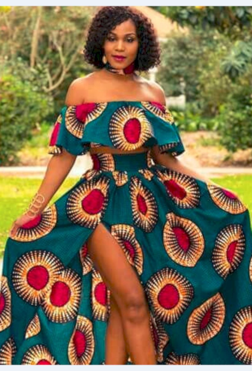 35 The Most Popular African Clothing Styles for Women in 2018 If you wish to stand out, wear African fashion. Women usually do not concentrate on fashion unless it's a particular occasion. For the superb African appearance, it's not only the clothing style you are going to have to emulate. An object of clothing with merely a hint of Ankara immediately appears different and has an exact haute appearance to it. Be that as it could, at whatever point Ethnic wear was said. #ankaramode