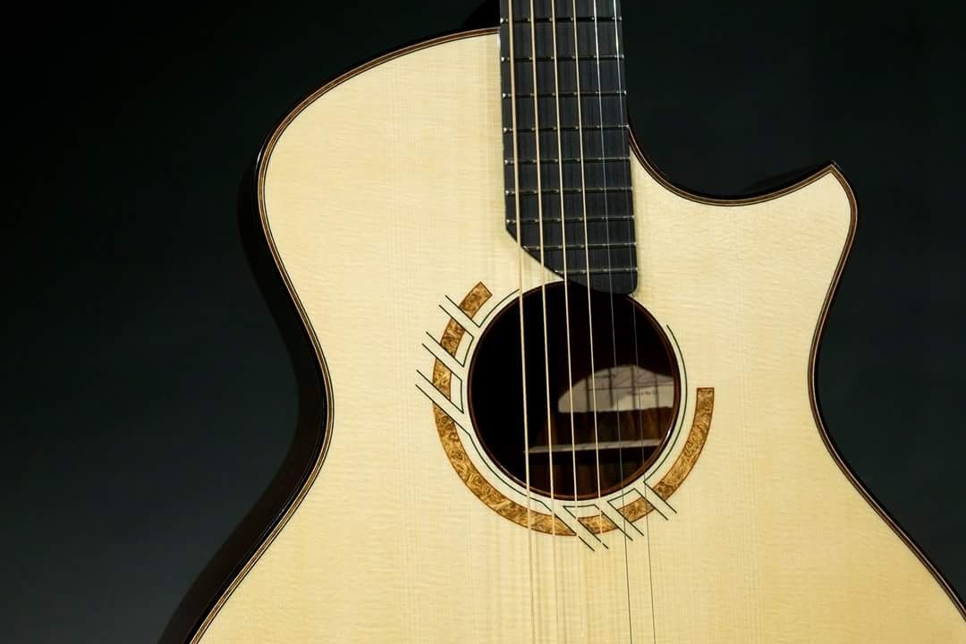Pin By Paulo Chaves On The Guitar Beautiful Guitars Acoustic Guitar Guitar Building