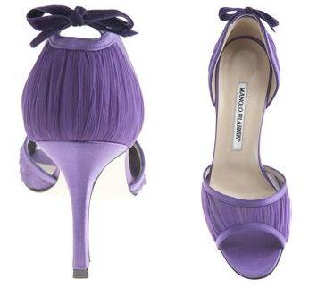 lavender manolo blahnik pumps  Shoes addict! Pretty on my feet! Love! Love!  Ladies fashion styles purple!