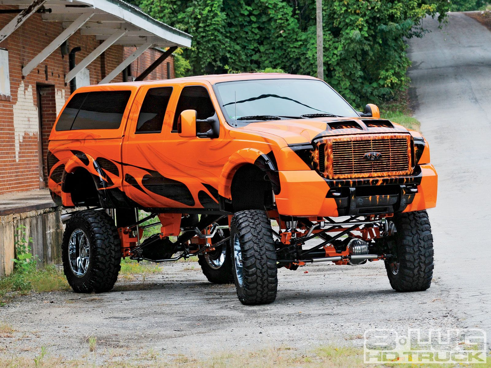 Not a f 250 yet a nice lifted ford f 1350 truck
