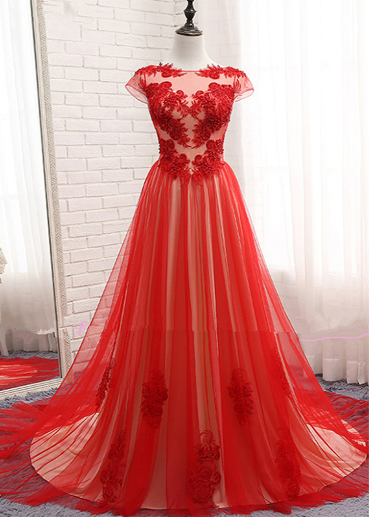 New design red tulle scoop neck long cap sleeves evening dress with