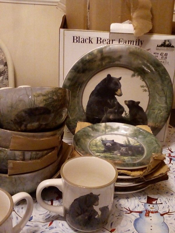 Black Bear Family & Black Bear Family | Dishes of colors \u0026 design\u0027s | Pinterest | Cabin ...
