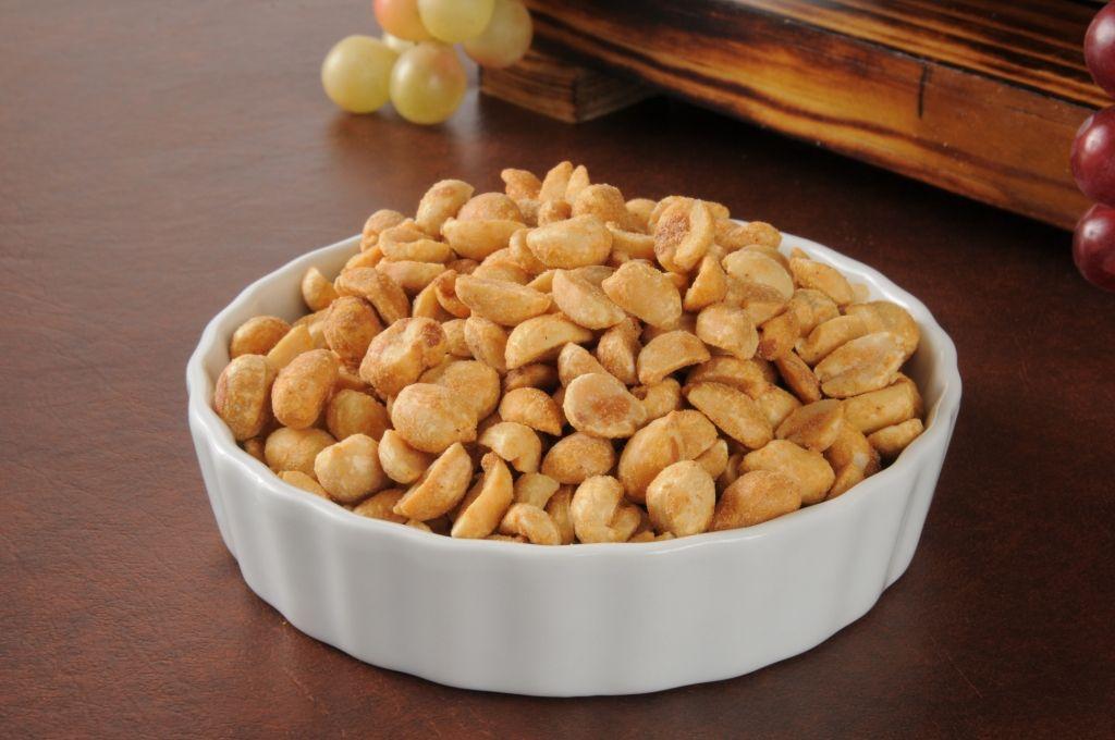 إن الفول السوداني غني بالبروتين وحبة واحدة من الفول السوداني المحمص من دون زيت تحتوي 6 سعرة حرارية Food Allergies Foods To Avoid Food