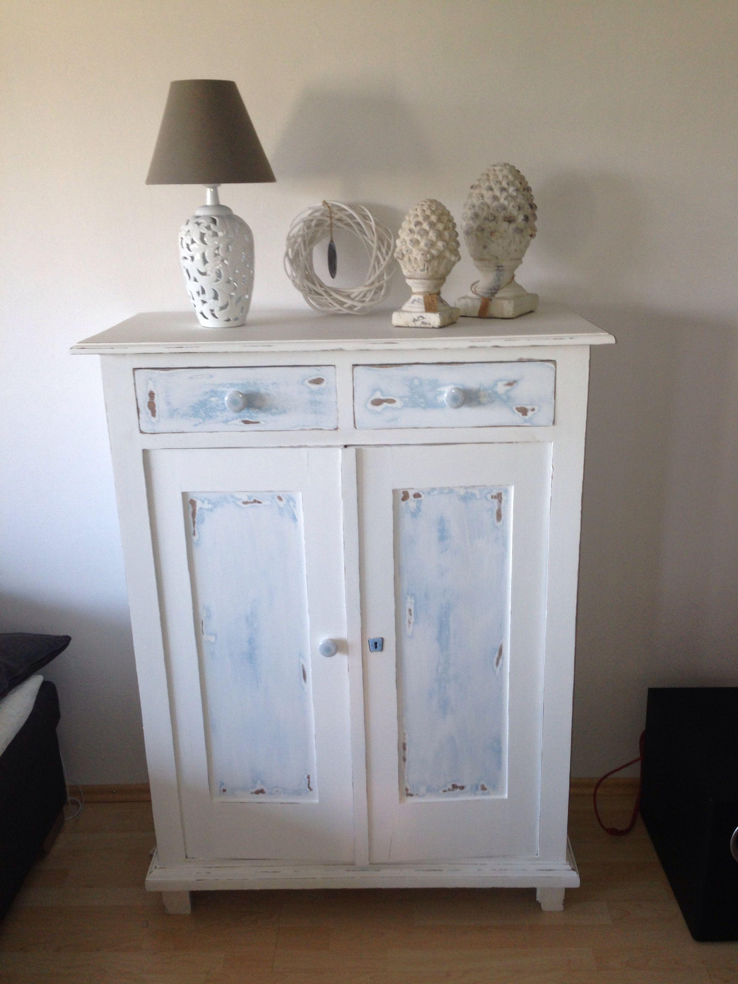 man nehme ein altes eiche rustikal vertiko schleifmaschine und kreidefarbe und raus kommt. Black Bedroom Furniture Sets. Home Design Ideas