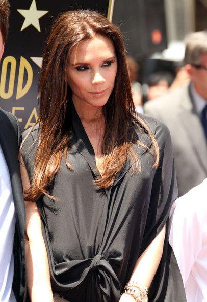 Victoria Beckham Long Center Part Long Hair Styles Victoria Beckham Hair Edgy Long Hair