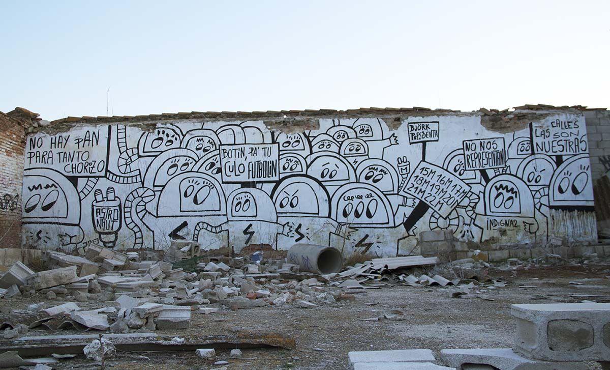 �Las calles siguen siendo nuestras� (14m x 4m) del artista urbano Astro Naut (A3 salida 19) - Madrid es puro street art
