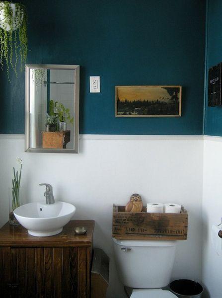 Teal White And Wood Banheiro, White And Teal Bathroom