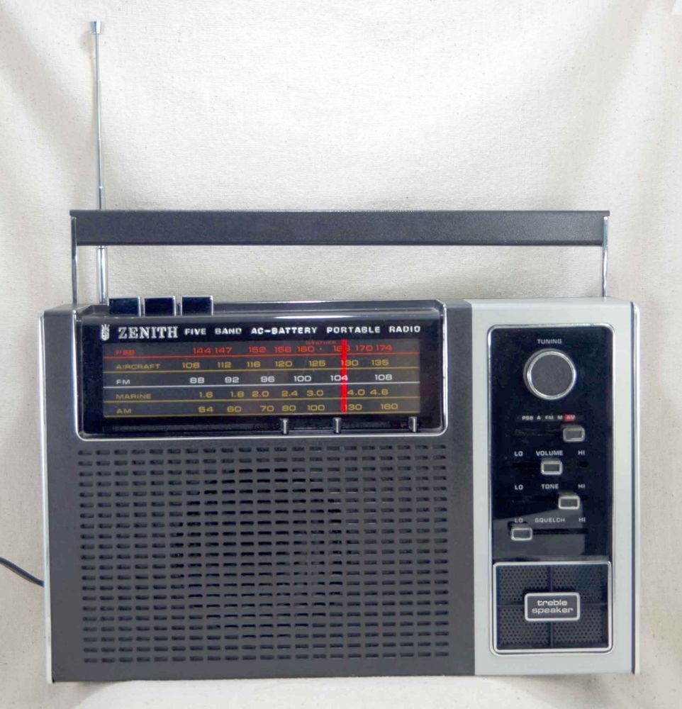 1974 Zenith Royal F88y Rf88y 5 Band Portable Radio Very Clean