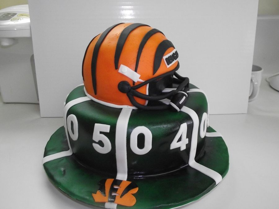 Cincinnati Bengals on Cake Central Cakes Pinterest Cake
