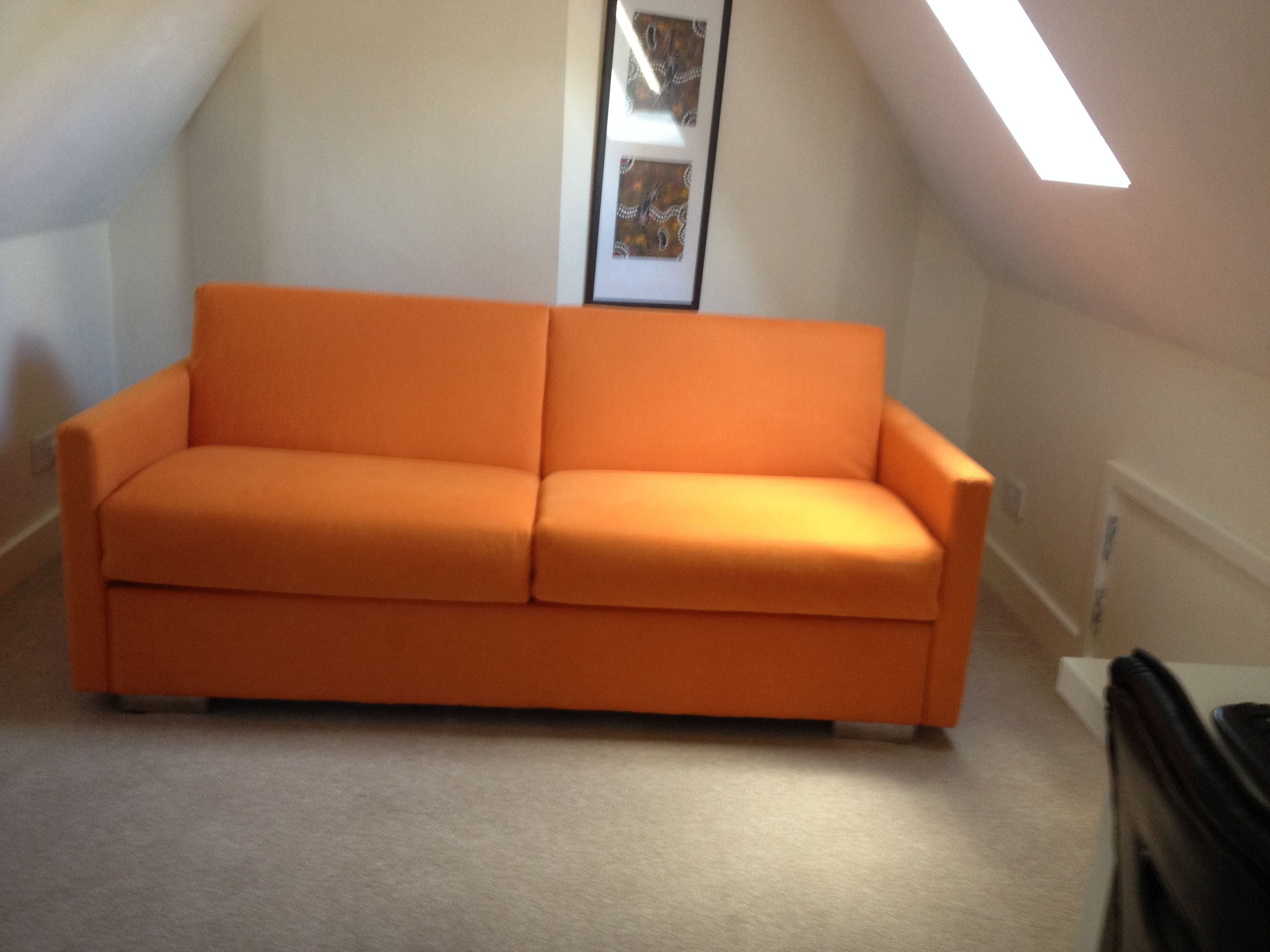 2.5 sofa bed with 8 cm slim arms (180 cm in total width