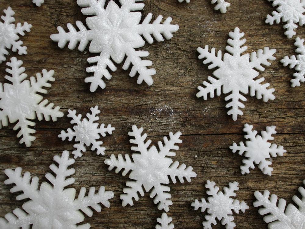 Edible snowflakes (30) - sparkly fondant snowflakes- sugar ...
