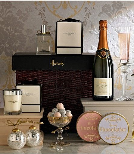 Harrods The Pamper Hamper Pamper Hamper Corporate Christmas Gifts Luxury Christmas Gifts