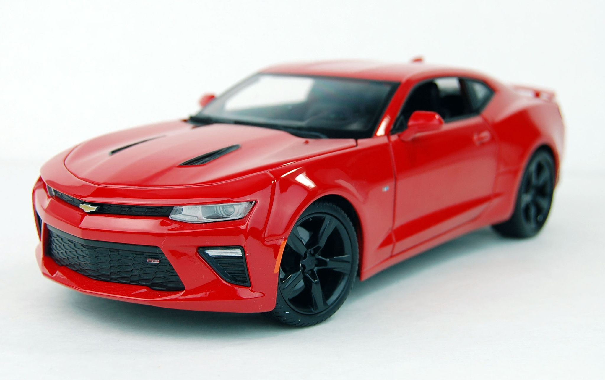 Charmant 2016 Chevrolet Camaro SS Diecast Model Car Red Maisto 31689 1/18
