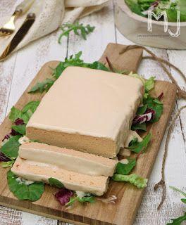 INGREDIENTES: 2 kg. de anchoas de la Escala Sal Gorda Aceite de oliva virgen extra PREPARACIÓN: S in lavar, limpia...