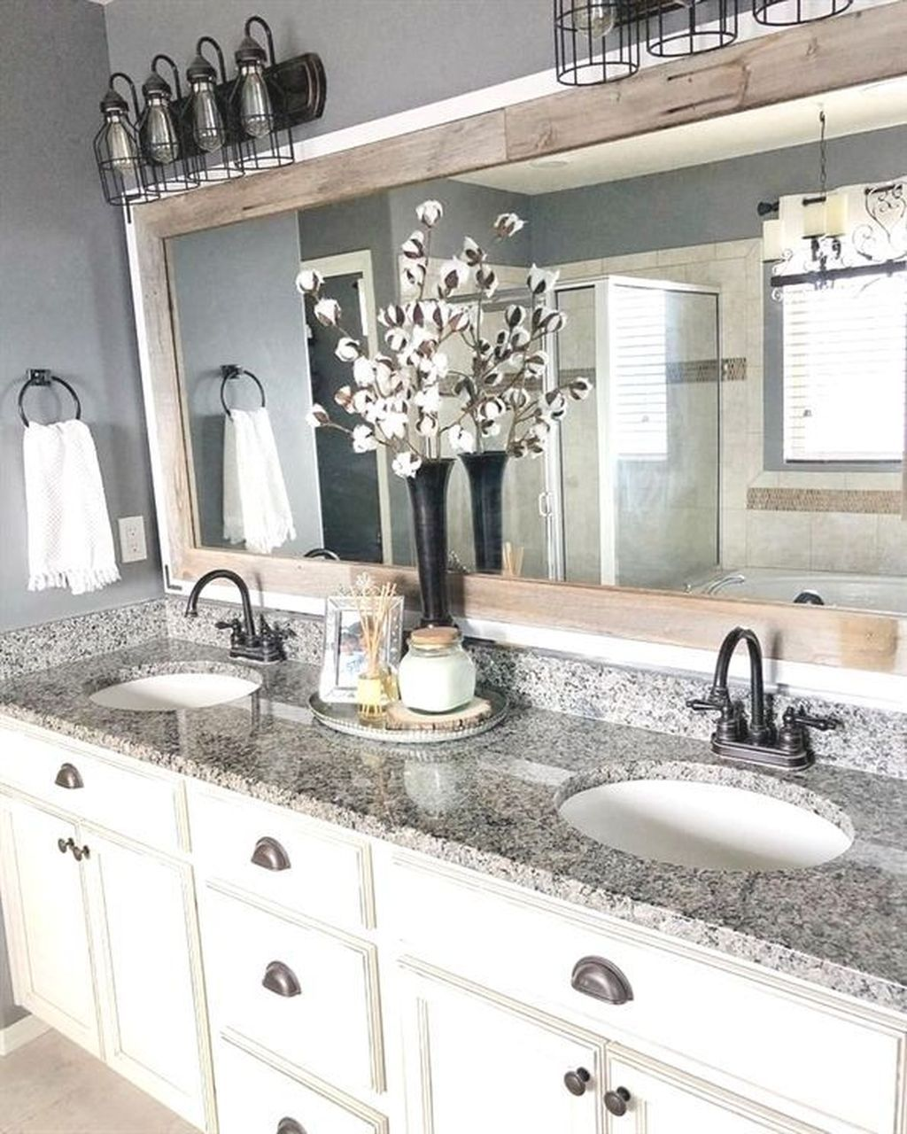 20+ Cheap And Easy DIY Bathroom Vanity Makeover Ideas #bathroomvanitydecor