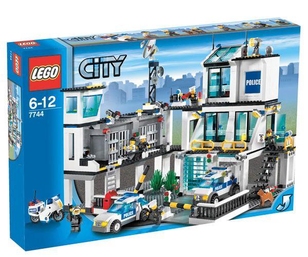 Lego City 7744 Police Station Headquarters Box Jpg 600 500 Lego City Lego City Police Lego