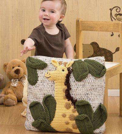 Fuente: http://touchecrochet.tumblr.com/post/48793042805/giraffe-pillow-free-pattern