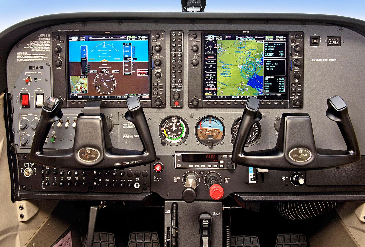 So want to fly a 172 with this set up! Cessna 172S equipped