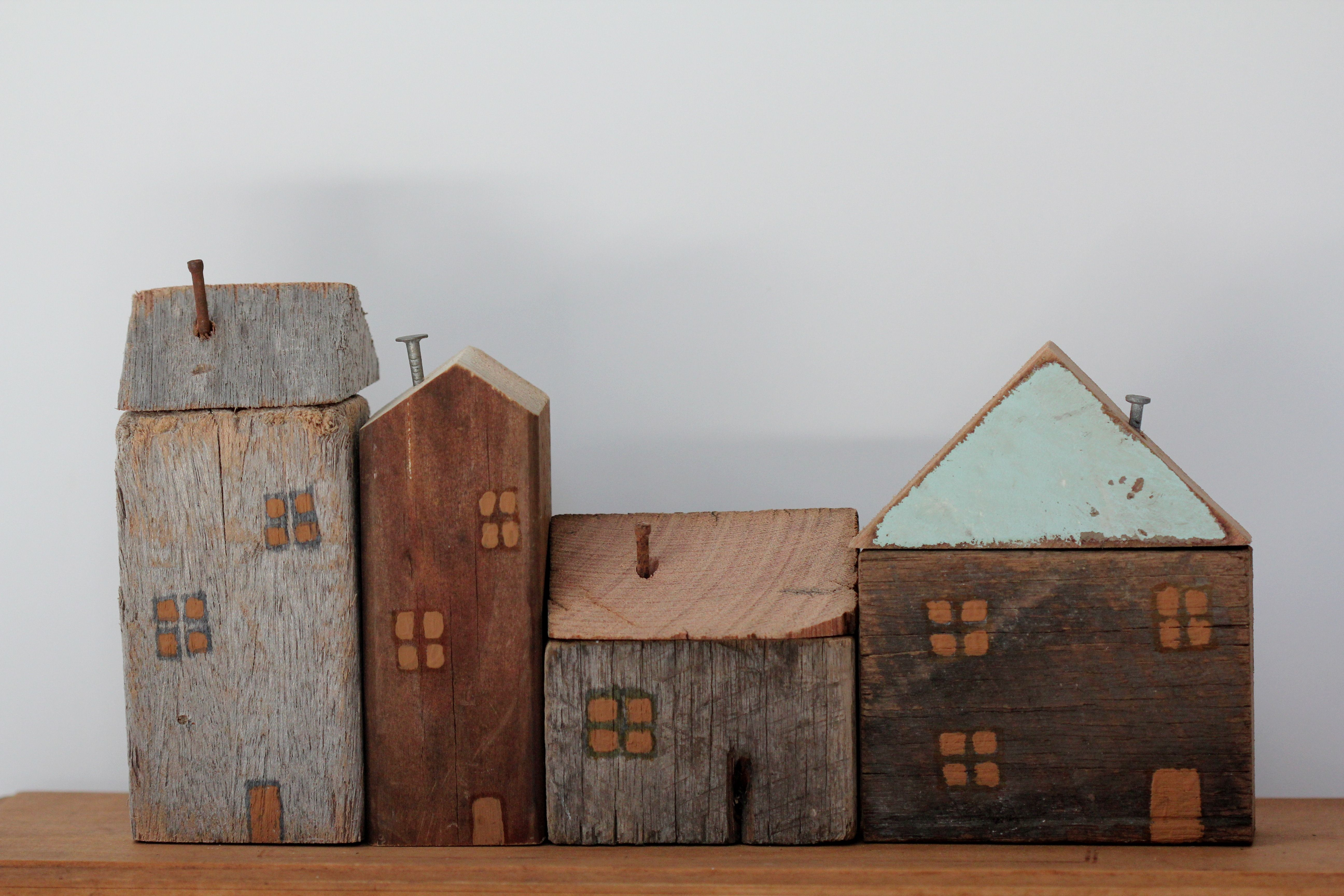 Shanty town wooden houses pinterest wooden for Mini wooden house