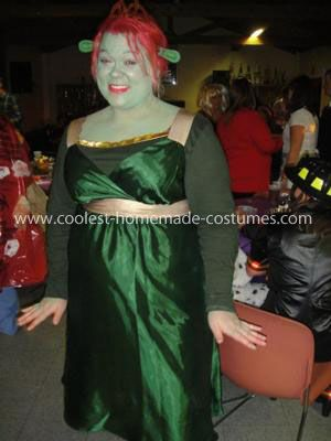 Homemade Fiona from Shrek Costume Being Fiona Shrek was one of the best times I  sc 1 st  Pinterest & Coolest Fiona from Shrek Costume | Pinterest | Shrek costume Fiona ...