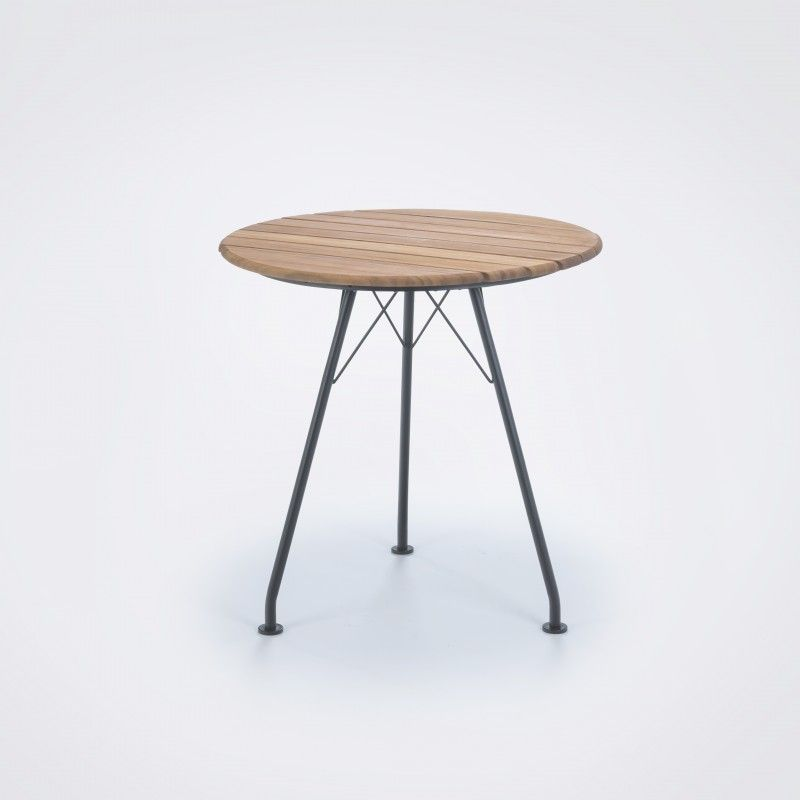 Circum Cafe Table In 2019 Tische Im Freien Gartenmöbel