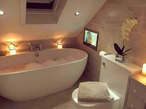 Small Bathroom Ideas In 2020 Small Bathroom With Tub Top Bathroom Design Bathroom Interior Design