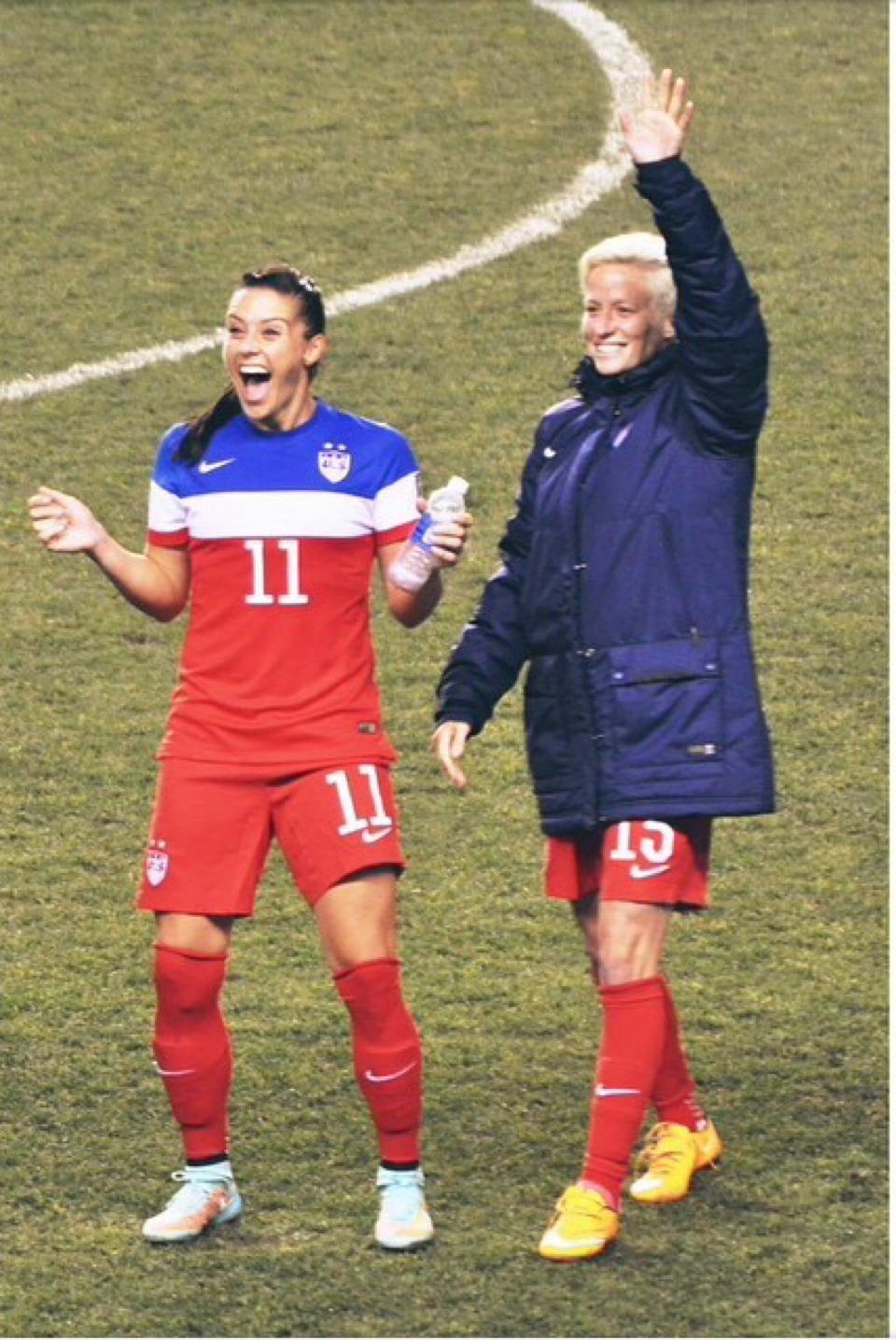 Ali Krieger on | USWNT | Female soccer players, Soccer