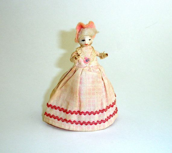 Vintage Clothespin Doll, Folk Art, Primitive Doll, Pink Dress, Colonial Doll, Collectible Doll, Rustic Doll, Farmhouse Décor, by ninthstreetvintage #colonialdolldresses Vintage Clothespin Doll, Folk Art, Primitive Doll, Pink Dress, Colonial Doll, Collectible Doll, Rustic Doll, Farmhouse Décor, by ninthstreetvintage #colonialdolldresses