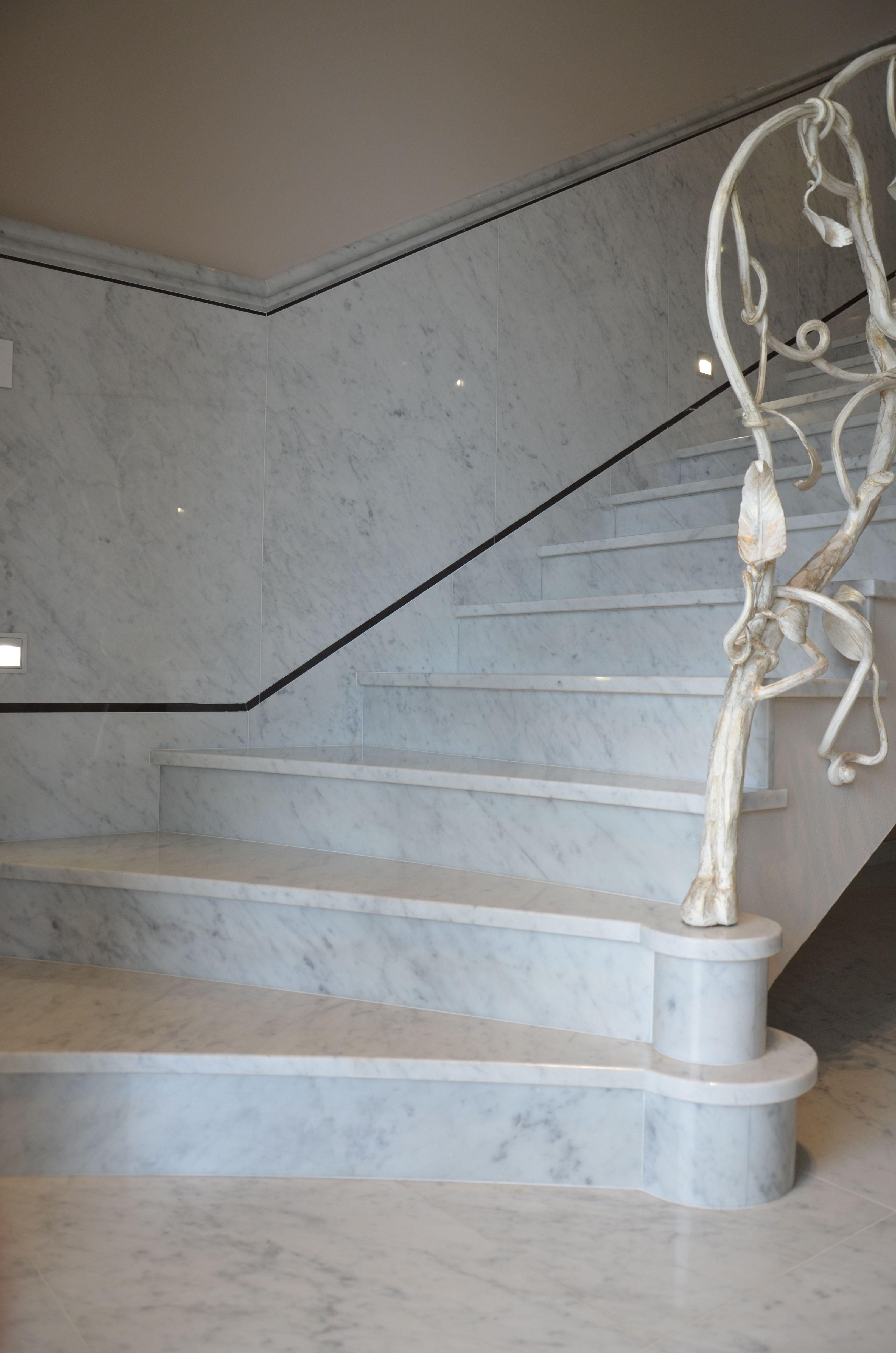 Scala In Marmo Nero scala in marmo bianco di carrara c nel roero (con immagini