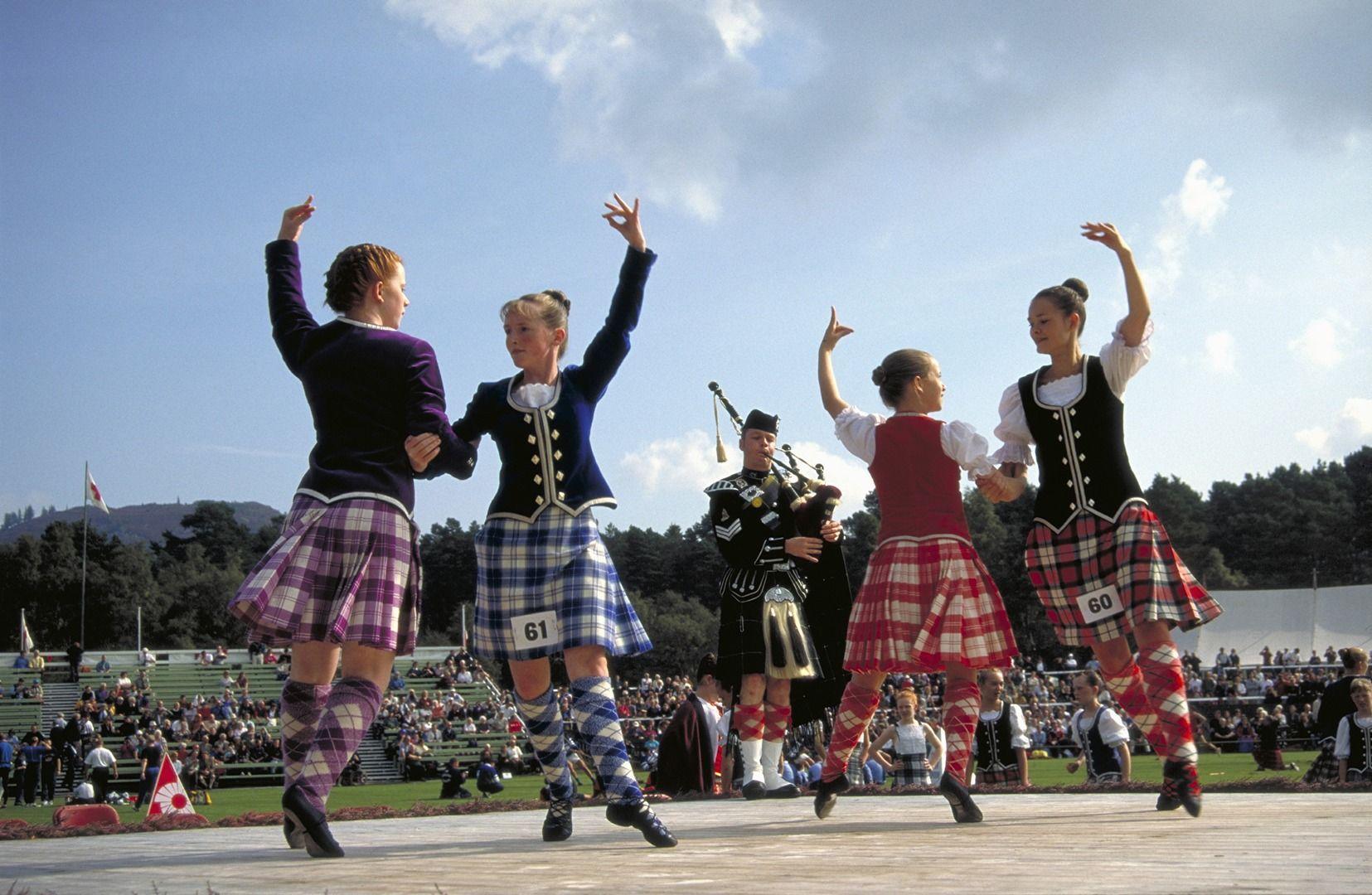 Emerald Isle Tour Scottish highland games, Day trips