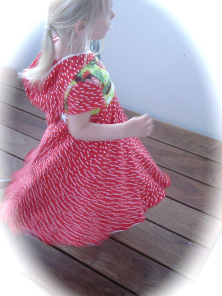 Foto zu Schnittmuster Kapuzenkleidchen von Schnabelina