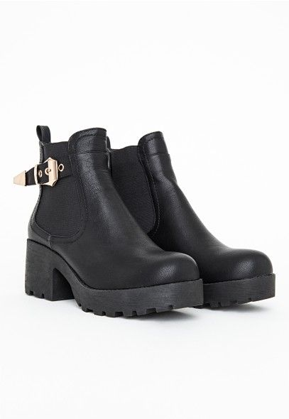 Faria Chunky Buckle Detail Chelsea Boots - Footwear - Boots - Missguided #MISSGUIDEDAW14
