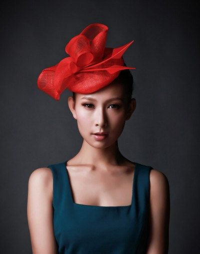 MADE-TO-ORDER  A red sinamay beret fascinator for horse-racing ... 7ff4eaac8bb
