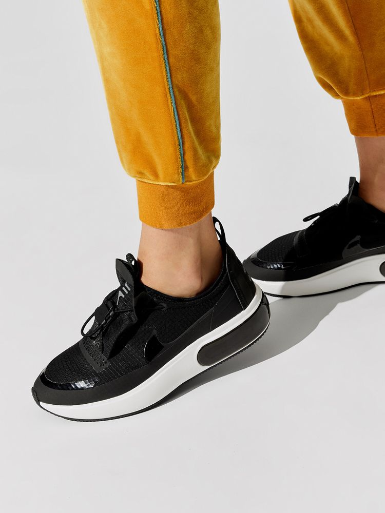 Nike Air Max Dia Winter in Black/black-anthracite-summit ...