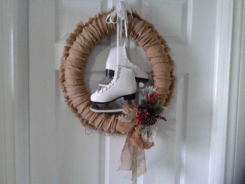 Photo of DIY versatile four seasons burlap wreath