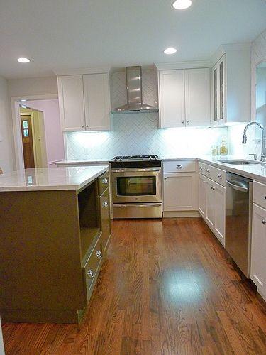 pisos, isla y ventilador sobre estufa
