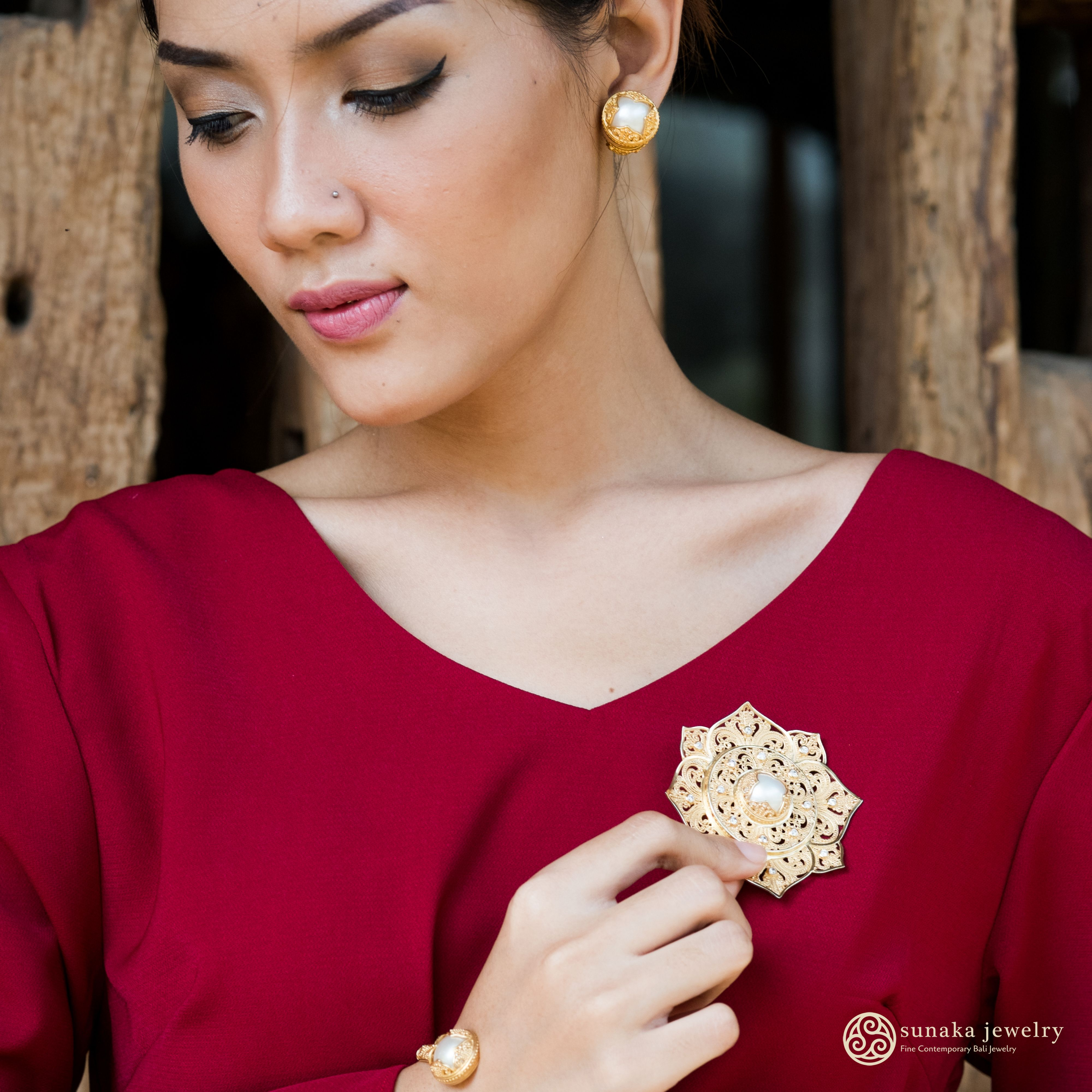 This silver collection jewelry of Padma Acala is inspired by lotus flower where Dewi Saraswati, a Hindu's Goddess of Knowledge, seated. This white lotus symbolizes light, knowledge, wisdom, and truth. To represent the real meaning behind this design, we use only the selected high-quality Mabe Pearls from Lombok, Indonesia.
