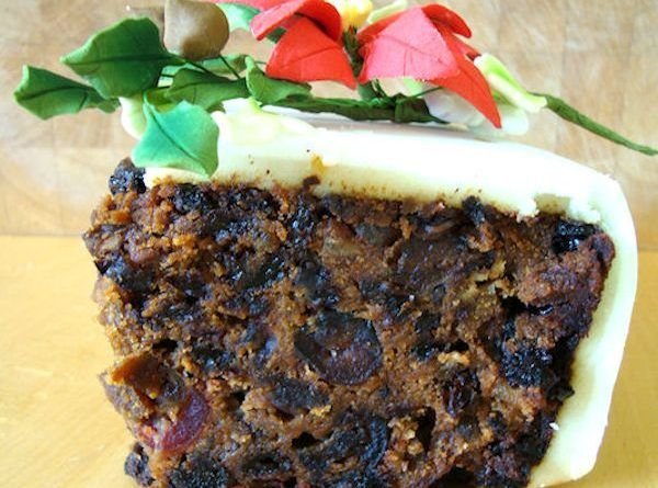 This Traditional English Rich Fruit Cake Recipe Is Fruity And Moist Perfect For Christmas Cakes