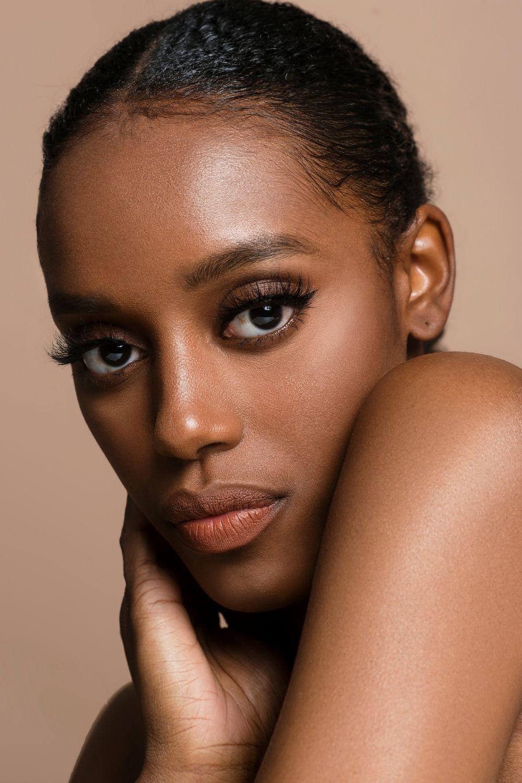 ماسك تقشير البشرة ماسك تبييض البشرة ماسك توحيد لون البشرة وصفات تنضيف البشرة Skin Care Skin Woman Face