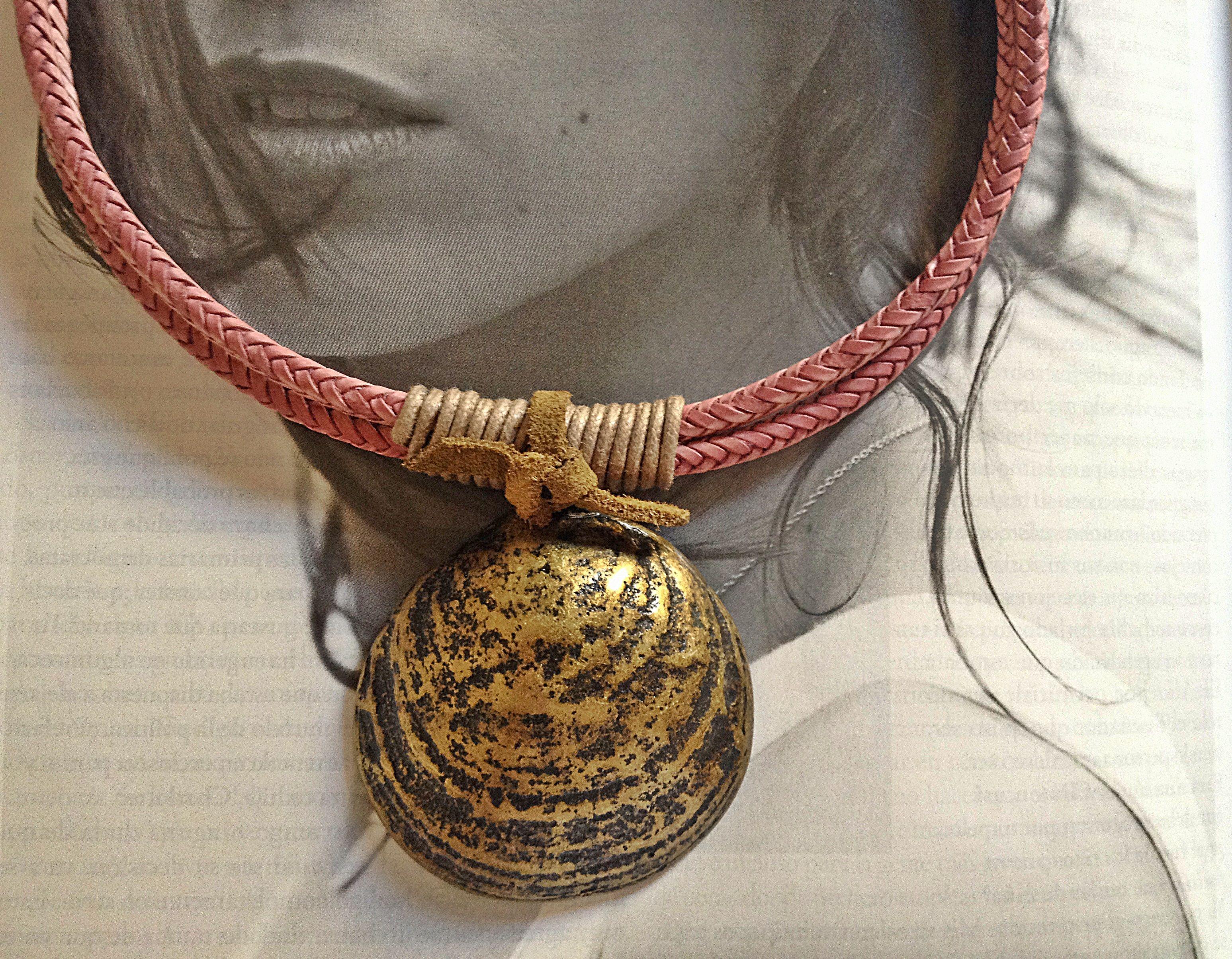 Collar Con Dos Cintas De Cordn Trenzado Rosa Enrollado Marn Y