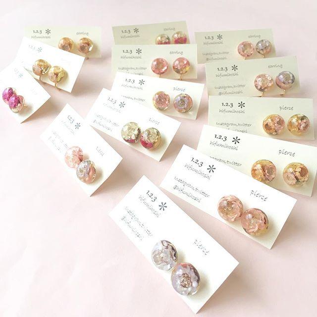 Instagram media by hifumihoshi , ルクアイーレ委託分のお花ギュッとなピアスとイヤリング