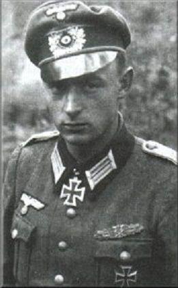 ✠ Günter Braake (10 April 1921 - ) RK 27.08.1944 Oberleutnant stellv. Führer I./Gren.Rgt 422 126. Infanterie – Division