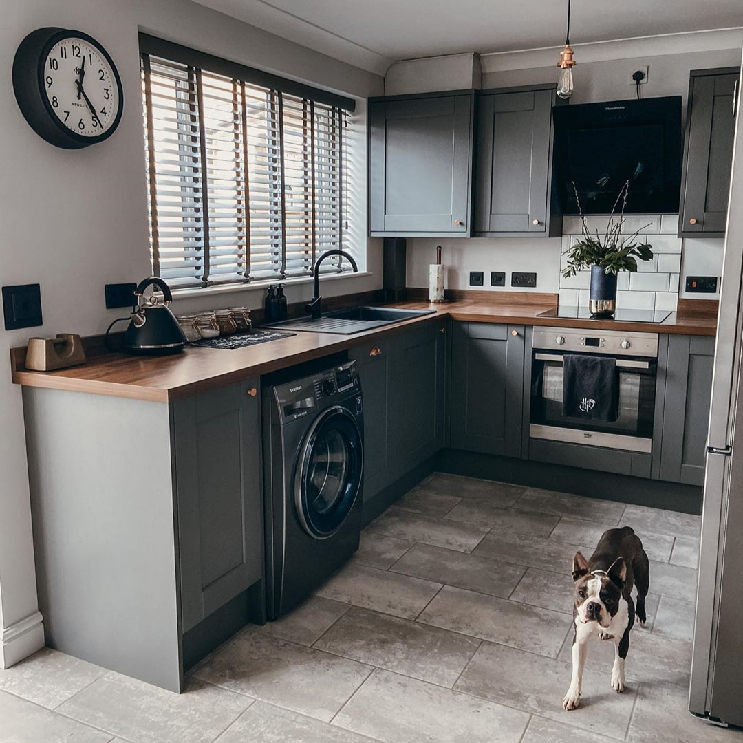 Fairford Graphite Kitchen in 2020 Dark grey kitchen